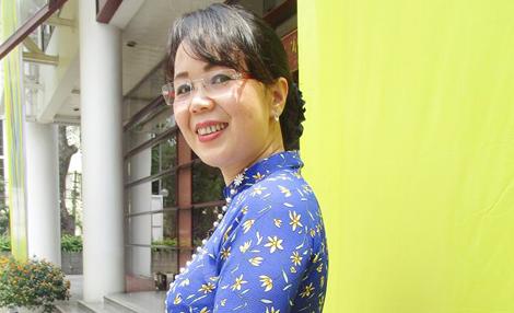 Kết quả hình ảnh cho Nhà thơ Nguyễn Thúy Quỳnh