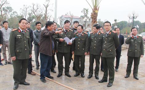 Thứ trưởng Nguyễn Văn Thành kiểm tra tiến độ công trình Khu lưu niệm 6 điều Bác Hồ dạy CAND - Ảnh minh hoạ 3