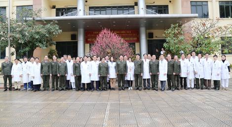 Chúc mừng các y bác sỹ trong CAND nhân ngày truyền thống