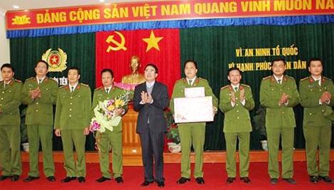 Khen thưởng Công an huyện Tiên Lãng đã khống chế thành công đối tượng ngáo đá