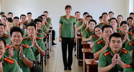 """""""Chất lính"""" trong một nữ giảng viên CAND"""