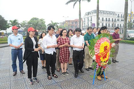 Báo CAND dâng hương tưởng niệm Đại tướng Võ Nguyên Giáp - Ảnh minh hoạ 3