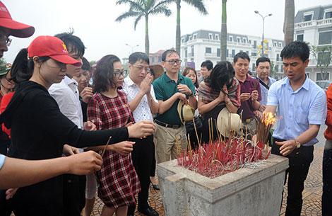 Báo CAND dâng hương tưởng niệm Đại tướng Võ Nguyên Giáp - Ảnh minh hoạ 5