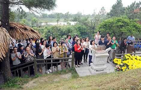 Báo CAND dâng hương tưởng niệm Đại tướng Võ Nguyên Giáp - Ảnh minh hoạ 2