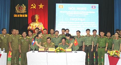 Công an tỉnh Hà Tĩnh và Công an tỉnh Bôlykhămxay hợp tác bảo vệ ANTT