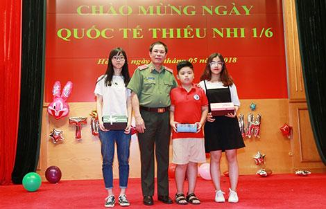 Văn phòng Bộ Công an kỷ niệm Ngày Quốc tế Thiếu nhi 1-6