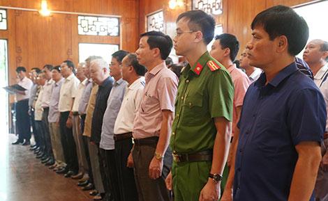 Cán bộ quản lý các trường CAND dâng hương tưởng niệm Chủ tịch Hồ Chí Minh