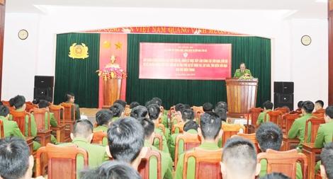 Khai giảng lớp huấn luyện nghiệp vụ cứu nạn, cứu hộ khu vực miền Trung