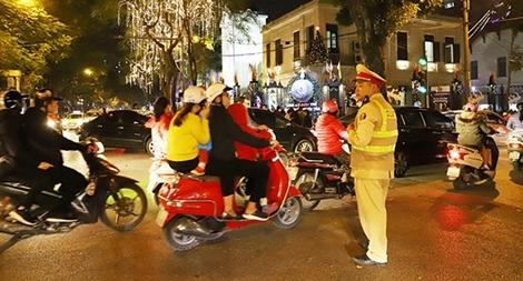 Lực lượng Công an nỗ lực đảm bảo cho đêm Giáng sinh yên bình
