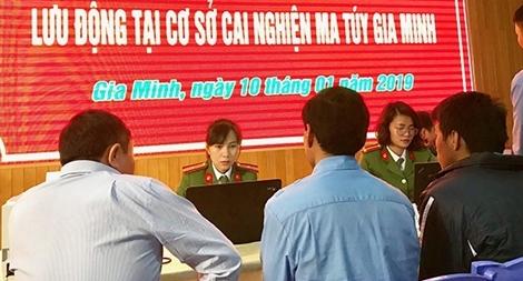 Cấp căn cước công dân cho hơn 110 học viên và cán bộ tại cơ sở cai nghiện Gia Minh