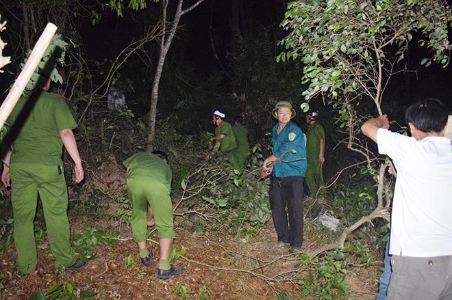 Những người ngày đêm căng mình trong biển lửa để giữ rừng ở Hà Tĩnh - Ảnh minh hoạ 9