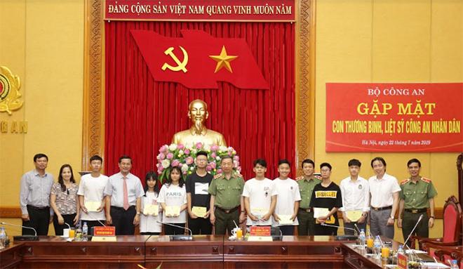 Bộ trưởng Tô Lâm gặp mặt các cháu con thương binh, liệt sĩ CAND - Ảnh minh hoạ 2