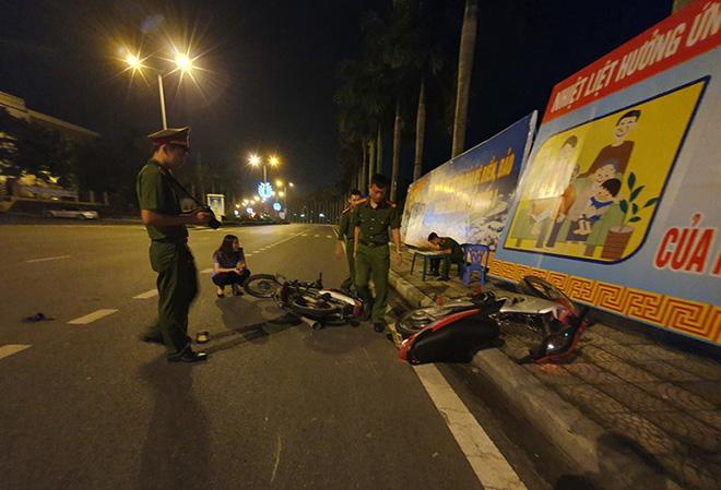 CSGT bị thương khi ngăn chặn nhóm đua xe trái phép