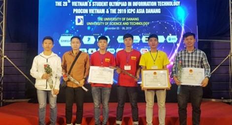 """Đại học PCCC """"thắng lớn"""" tại Cuộc thi Olympic Tin học sinh viên"""