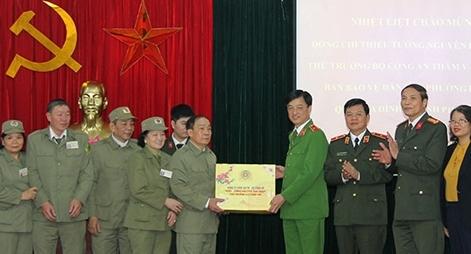 Thứ trưởng Nguyễn Duy Ngọc thăm, chúc Tết một số đơn vị trên địa bàn TP Hà Nội