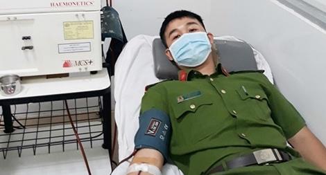 Thượng úy Công an hiến máu cứu người