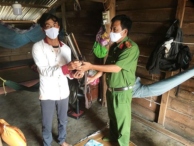 Tặng 3,5 tấn gạo cho các gia đình khó khăn, người dân tộc thiểu số - Ảnh minh hoạ 4