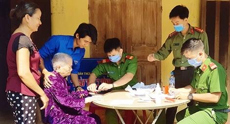 Tuổi trẻ Công an tỉnh Quảng Ngãi với ngày thứ bảy tình nguyện
