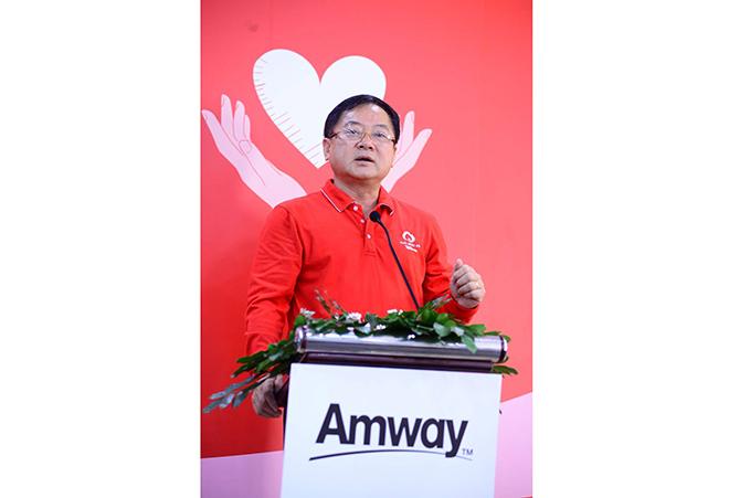 Amway Việt Nam lần đầu tiên tham gia ngày hội Hiến máu Chủ nhật Đỏ