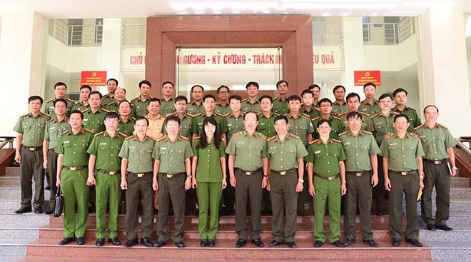 Thứ trưởng Nguyễn Văn Thành làm việc tại Công an tỉnh Hà Tĩnh - Ảnh minh hoạ 3