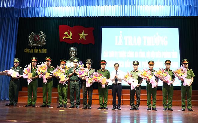 Công an Hà Tĩnh khen thưởng các đơn vị có thành tích xuất sắc - Ảnh minh hoạ 2
