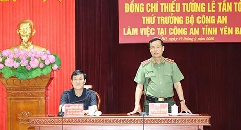 Thứ trưởng Lê Tấn Tới làm việc tại Công an tỉnh Yên Bái