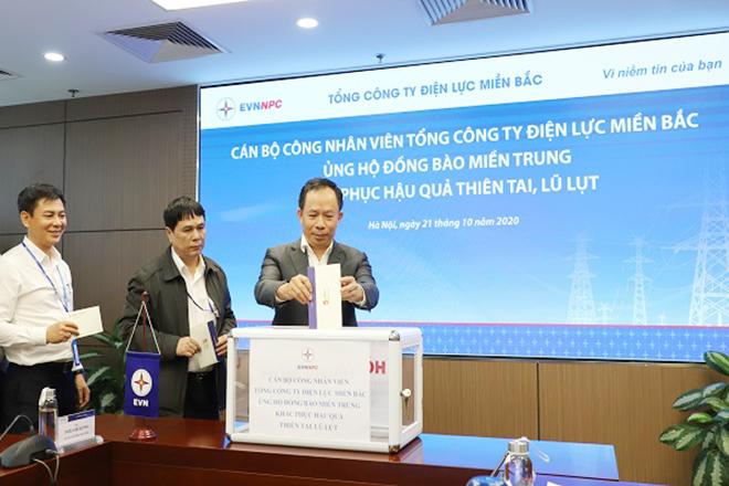 EVNNPC ủng hộ đồng bào miền Trung 4,7 tỷ đồng khắc phục hậu quả thiên tai