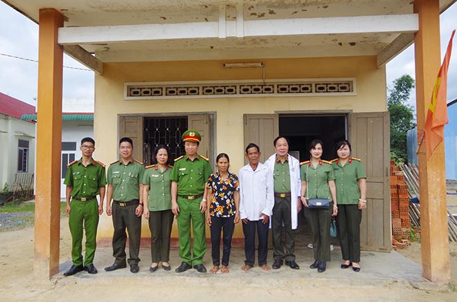 Bệnh viện 19-8 khám bệnh, trao quà cho đồng bào nghèo Tây Nguyên - Ảnh minh hoạ 2