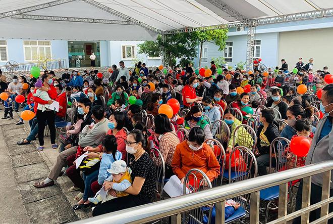 Viettel tổ chức khám sàng lọc bệnh tim bẩm sinh cho trẻ em tại Hải Phòng