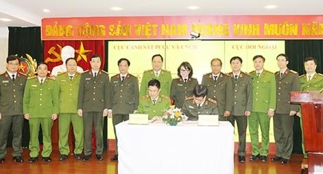 Tăng cường hợp tác quốc tế trên lĩnh vực PCCC & CNCH
