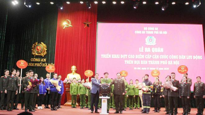 Công an Hà Nội xuất quân triển khai cấp căn cước công dân lưu động - Ảnh minh hoạ 2