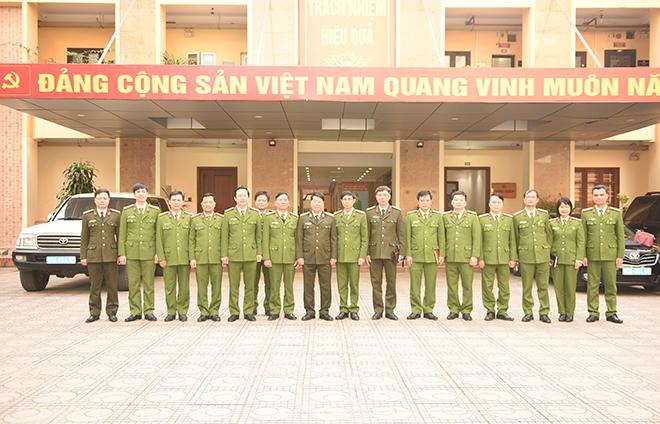 Thứ trưởng Bùi Văn Nam làm việc với Viện Khoa học hình sự - Ảnh minh hoạ 2