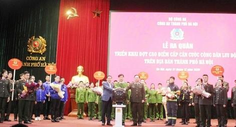 Công an Hà Nội xuất quân triển khai cấp căn cước công dân lưu động