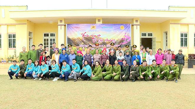 Trao 100 suất quà Tết cho nhân nhân xã Song Khủa, huyện Vân Hồ, tỉnh Sơn La - Ảnh minh hoạ 7
