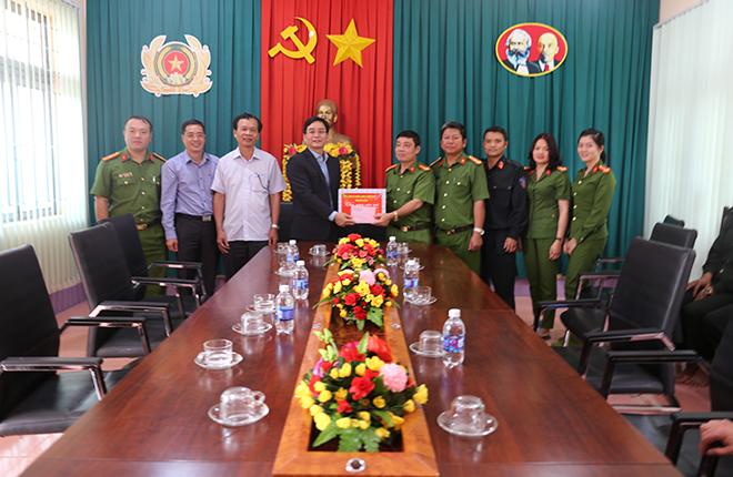 Chủ tịch UBND tỉnh Đắk Nông kiểm tra công tác bảo đảm ANTT  của CBCS Công an tỉnh - Ảnh minh hoạ 3