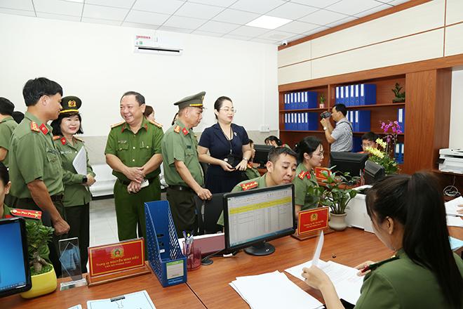 Công an Đồng Nai ra mắt bộ phận tiếp nhận, giải quyết thủ tục hành chính - Ảnh minh hoạ 3