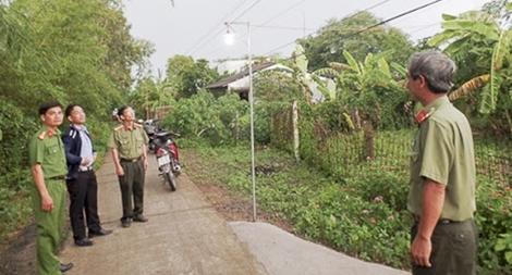 Những lá chắn giữ bình yên thôn xóm