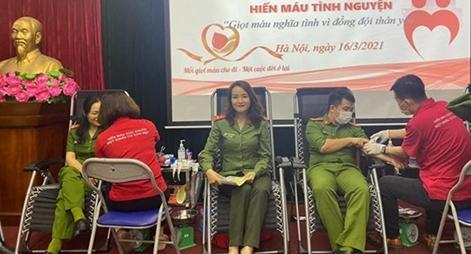 Cục Đối ngoại và các đơn vị phối hợp hiến máu tình nguyện vì  đồng đội thân yêu