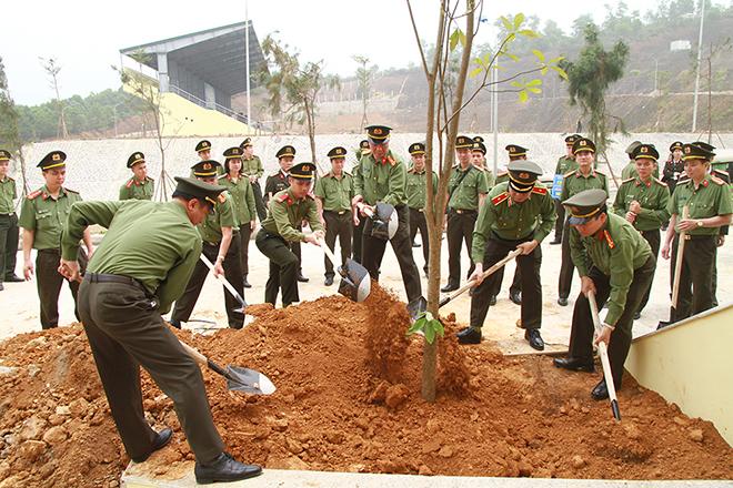 """Bộ Tư lệnh Cảnh vệ phát động """"Tết trồng cây đời đời nhớ ơn Bác Hồ"""" - Ảnh minh hoạ 2"""