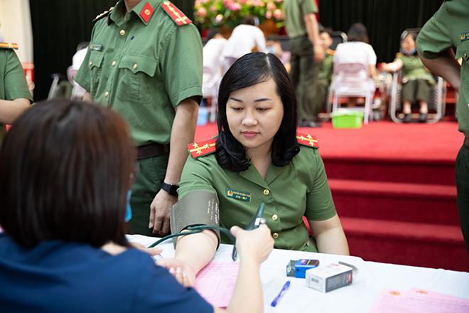 Cục An ninh kinh tế và Cục Hồ sơ nghiệp vụ hiến máu tình nguyện - Ảnh minh hoạ 3