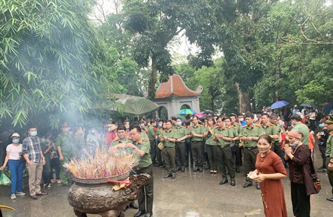 Cục Công nghiệp An ninh phối hợp Công an tỉnh Phú Thọ trồng mới 1.000 cây xanh - Ảnh minh hoạ 3