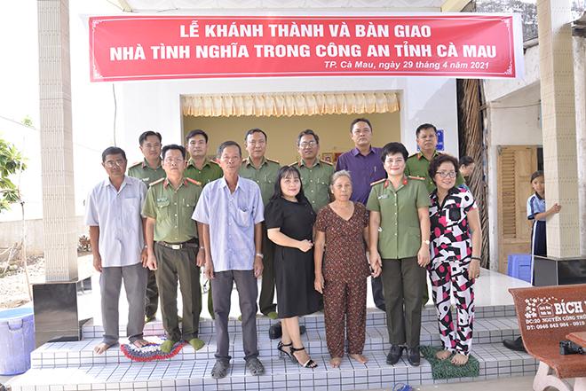 Công an tỉnh Cà Mau bàn giao nhà tình nghĩa cho gia đình chính sách