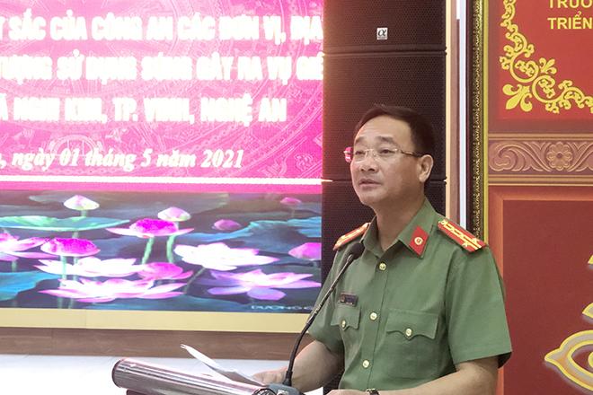 Khen thưởng vụ bắt đối tượng bắn chết 2 người ở Nghệ An - Ảnh minh hoạ 3