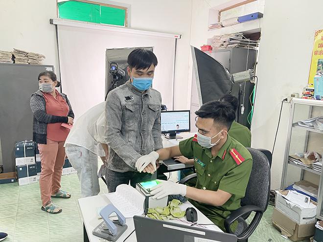 Tăng cường phòng dịch COVID-19 tại các điểm cấp thẻ căn cước công dân gắn chip - Ảnh minh hoạ 3
