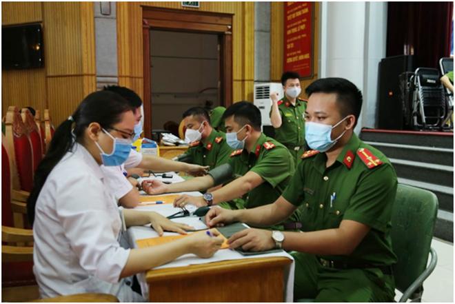 Học viện CSND vận động hơn 2.000 đơn vị máu cứu người - Ảnh minh hoạ 5