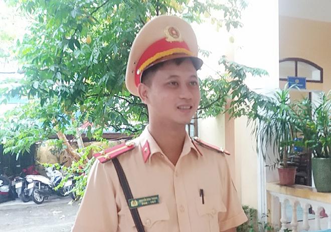 Hành động đẹp của Trung úy CSGT Công an TP Nam Định