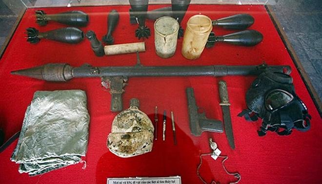 Bên trong bảo tàng còn lưu giữ nhiều hiện vật, kỷ vật của các liệt sĩ đã hi sinh trong 81 ngày đêm khói lửa tại nơi này.