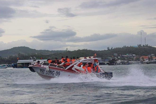 Tàu cao tốc Phi Long 09 vận hành trên vịnh biển Nha Trang trước thời điểm xảy ra tai nạn