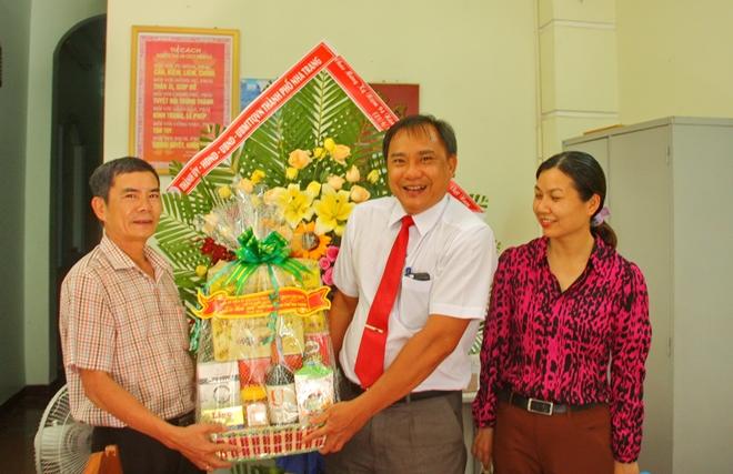 Tỉnh Khánh Hoà và TP Nha Trang chúc mừng VPTT Báo CAND tại Khánh Hoà - Ảnh minh hoạ 2