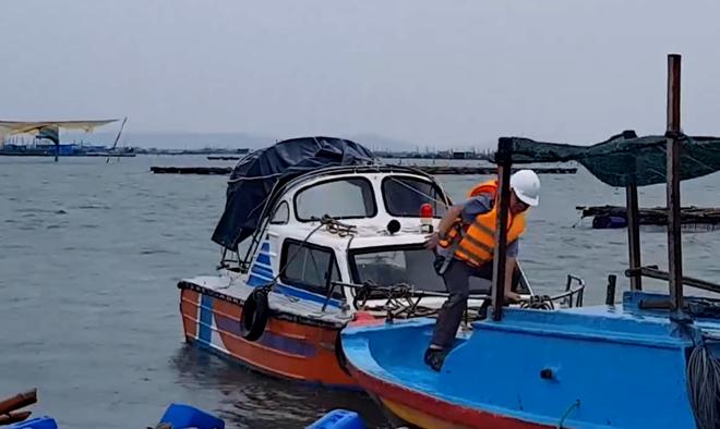 Công an các tỉnh khu Nam Trung bộ ứng phó cơn bão số 6 - Ảnh minh hoạ 2